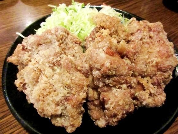 ケンタッキーかよ! 焼鳥屋の「から揚げ定食」のデカさが想定外で笑った / から揚げを1個ではなく1枚と数える東京・日本橋「串エ門」