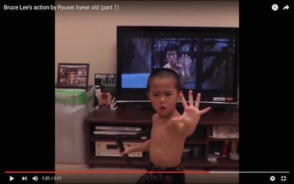 【動画あり】ブルース・リーを6歳の少年が完コピ! まるで本物を見ているかのような完成度に驚きの声が続出
