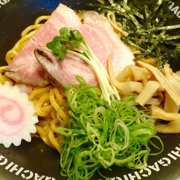しっとり柔らかイベリコ豚 & モッチモチの自家製麺がたまらん!  新宿「油そば専門店 GACHI」