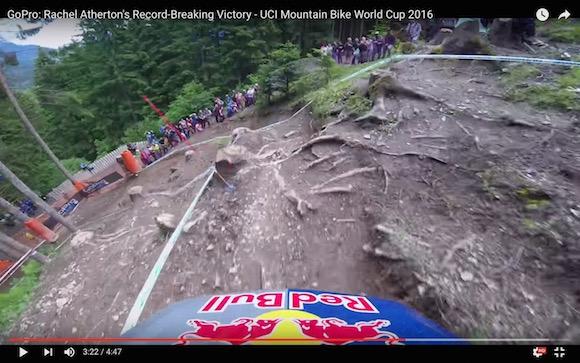 【衝撃動画】ダウンヒルレースの世界大会でレコード記録を叩き出したバイクの視点映像がヤバすぎる