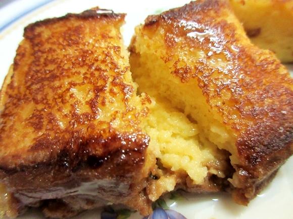 【簡単レシピ】カステラで作ったフレンチトーストが超ウマいと話題 / 牛乳と卵に浸して焼くだけで商品化レベルのスイーツが出来たぞ!