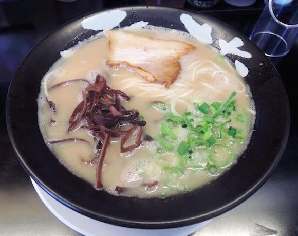 福岡県で安心して「ウマいとんこつラーメン」を食べたいならココ! 濃厚ながらアッサリしている『雷蔵ラーメン』が猛烈オススメ!!