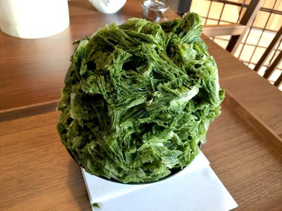 大阪からの刺客! 老舗茶店「つぼ市製茶本舗」の『無重力かき氷』を東京・浅草で食べてみた