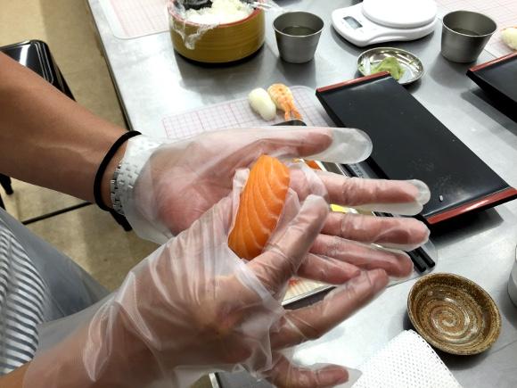 【食べ放題付き】東京すしアカデミーの「握り放題寿司レッスン」が超有能! 自分でもビックリするほどウマい寿司が握れる!!