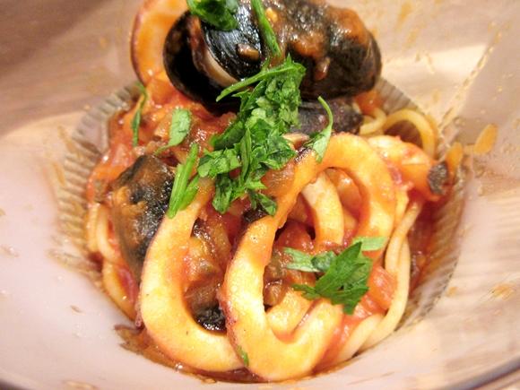 サイゼリヤの新しいファーストフード店「スパゲッティ マリアーノ」に行ってきた! 本格パスタが3分以内に出てきてワンコイン!! これは流行る!