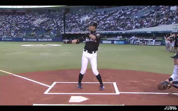 【衝撃野球動画】次元を超えた完成度! イチロー選手のそっくり芸人・ニッチローさんが始球式で披露したモノマネが超激似!!