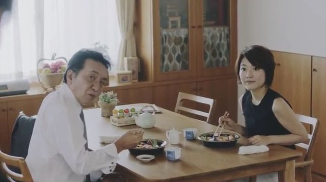 自宅で浮気をしていた妻が放った衝撃的な言い訳とは? 宅配寿司『すし上等!』のWEB動画がガチでヤバイ