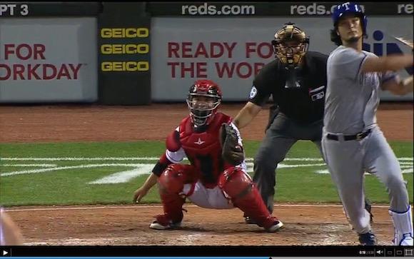 【動画あり】ダルビッシュ投手がプロ初ホームラン! 強打者顔負けの豪快な一打をバックスクリーンに放り込む