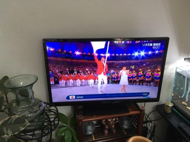 【リオ五輪】開会式の日本選手団ユニフォームがダサすぎて泣いた / ものまね王座決定戦の司会かってレベル