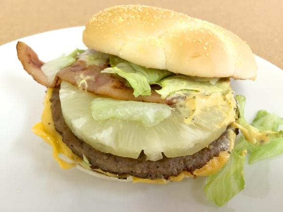【新商品】マクドナルドからパイン入り『必勝バーガー』キタァァアア!「酢豚にパイナップル反対派」も納得のウマさ!!