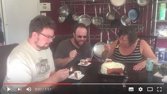 """美味しいの!? 海外で """"ケチャップケーキ"""" を作る人が続出中! 食べた人の感想「キャロットケーキみたい」など"""