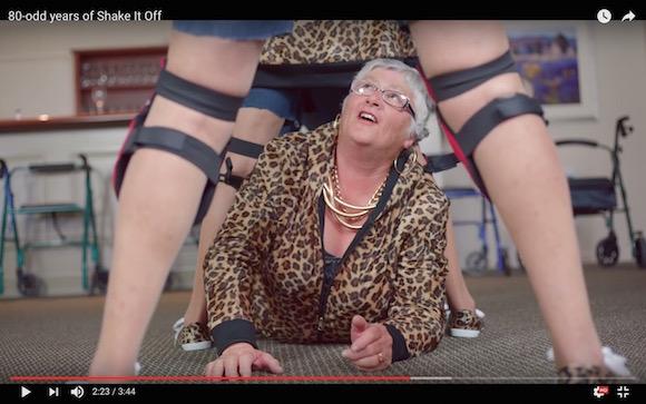 【動画】テイラー・スウィフトのMVを平均年齢82歳が完コピ → 味のある『Shake It Off』が爆誕
