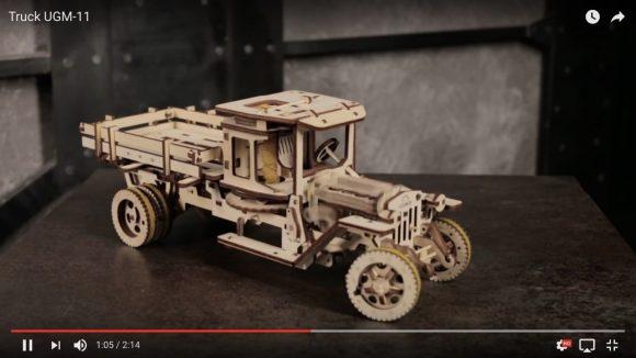 【動画あり】車のエンジンの動きまで再現する『接着剤不要の木工キット』が超リアル! Amazonでも買えるぞーー!
