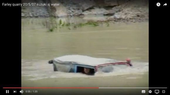 【動画】水中も走れるぞ! 世界中で愛される「スズキ・ジムニー」の改造車がマジ最強!!