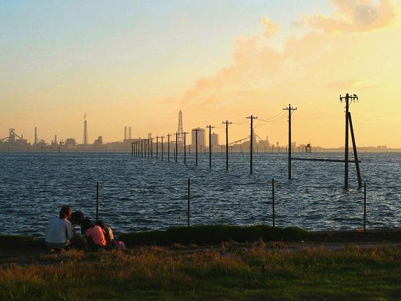 【絶景】まるで「千と千尋」の世界! 東京から車で1時間の木更津市『江川海岸』が美しすぎる
