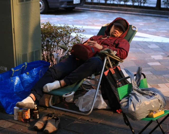 【iPhone7行列】ドコモショップ丸の内店に報道陣集結! いよいよセレモニーが始まるぞ〜‼︎