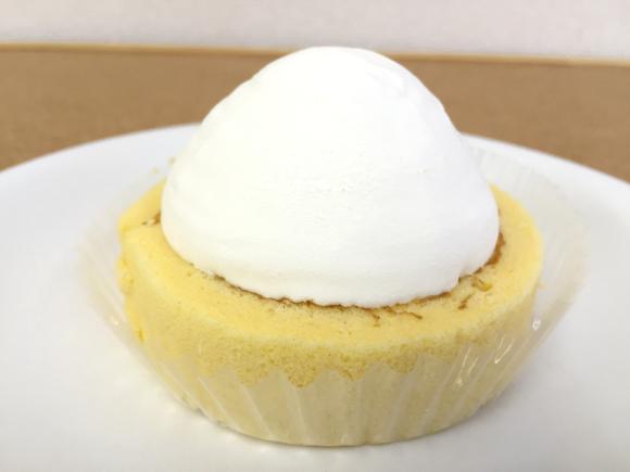 kiriのクリームチーズを使ったローソンの新作アイス!『プレミアムチーズロールケーキアイス』が昇天するほどウマい!!