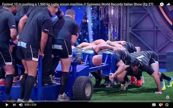 【衝撃ラグビー動画】スクラムで重量1500キロを押す世界最速のギネス記録が樹立
