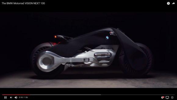 【未来感ハンパねえ】転倒しない&ヘルメット必要なし!「BMWのコンセプトバイク」がかなり攻めてる件