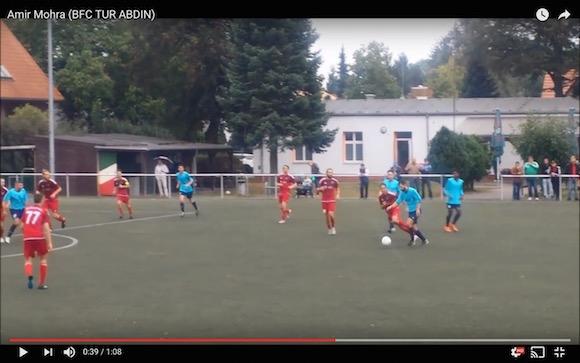 【衝撃サッカー動画】リアルキャプ翼! ロベルト本郷が翼に見せたようなシュートが海外の試合で炸裂
