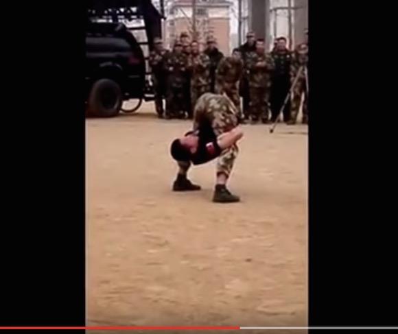 【超人動画】4000年の歴史ここにあり! 中国軍人の身体能力がヤバすぎる