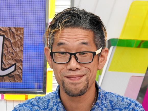 自称「チャップリン以来の喜劇王」佐藤英典がフジテレビのWeb番組『ホウドウキョク×FLAG9』に出演! スタジオに爆笑は巻き起こったのか?