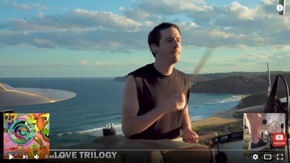 わずか5分で80曲! レッチリの歴代曲のドラムをカバーしまくる動画が超カッコいい!!