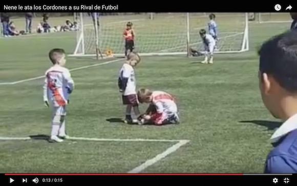【感動】アルゼンチンの少年サッカーで心温まるフェアプレーがあったと話題