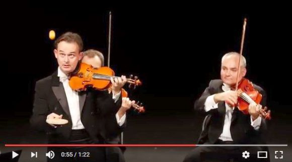 器用すぎる! ピンポン玉を使いながらバイオリンでクラシックを奏でる奇想天外な音楽家がスゴイ!!