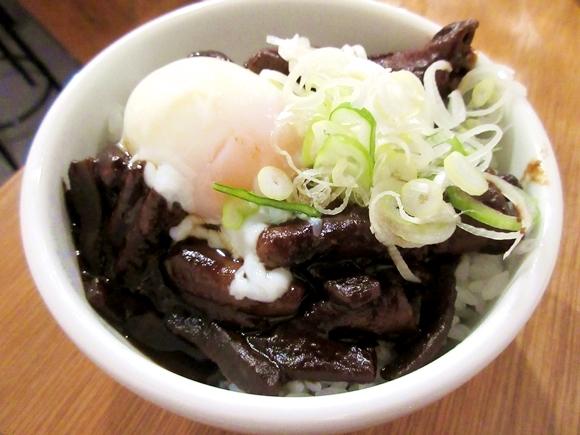 【グルメ】「魅力に欠ける街1位」の名古屋だけど『どて煮』だけは認めざるを得ない! 甘くてウマい『どてめし』の魅力 / 東京・高円寺「どて子」
