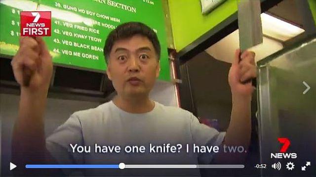 """ナイフ強盗を """"映画のように"""" 撃退した店主が超イカす!!  店主「お前ナイフ1本? 俺2本」"""