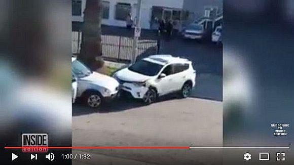 【女は怖い】女性2人が取っ組み合いのケンカをした挙句に車を激突し合う大乱闘に! その動画が強烈すぎー!!