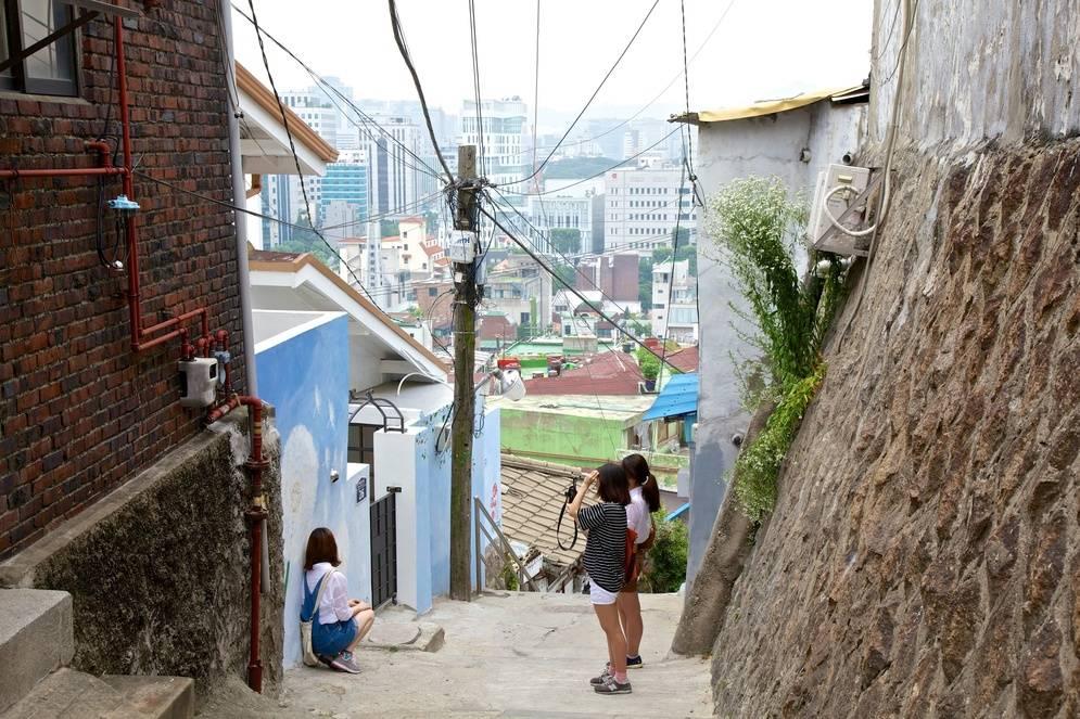 daehangno-neighborhood