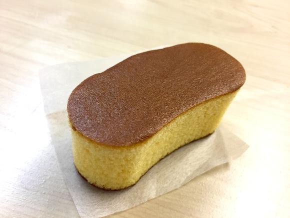 【新発売】話題の『東京ばな奈カステラ』を食べてみた → バナナ風味のカステラ……ただそれだけの話