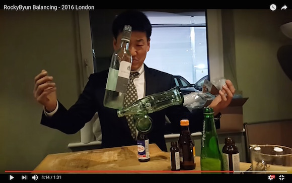 【神業動画】まるで手品! 究極のバランス感覚でモノを積み重ねまくるテクニックが人間業と思えないほどスゴい