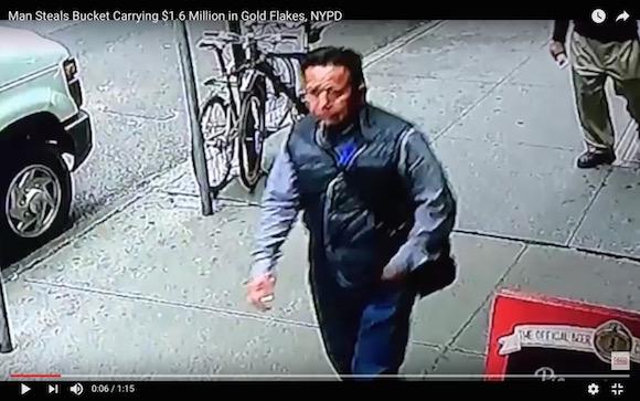 【世紀の大泥棒】現金輸送車から1億8000万円相当を盗み出した男の犯行映像が公開