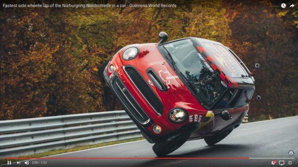 【動画】集中力ハンパねぇ! 中国のカースタントマンが「片輪走行の長距離ギネス世界記録」を達成!!