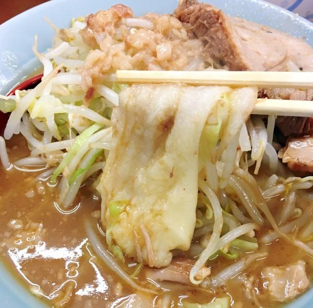 【斬新グルメ】二郎インスパイア系の店で「麺をモチに変更できる」サービスが期間限定で登場 / 立川マシマシ
