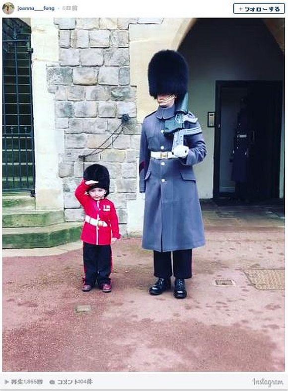 英ウィンザー城の無表情な近衛兵が「兵隊コスチュームでキメた少年」に意外な特別サービス! その動画が超ほのぼの~な件