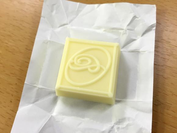 【素朴な疑問】ホワイトチョコって「本当にチョコレート」なの!?