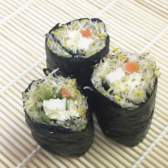 【新感覚】米の代わりに野菜を使った「低カロリー恵方巻き」を作ってみた / ダイエッターがかぶりついても大丈夫!