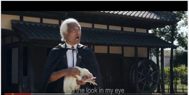 ナゾの動画 「Chicken Attack」が海外で急速に拡散中! 第2の「PPAP」になりそうな勢いッ!!