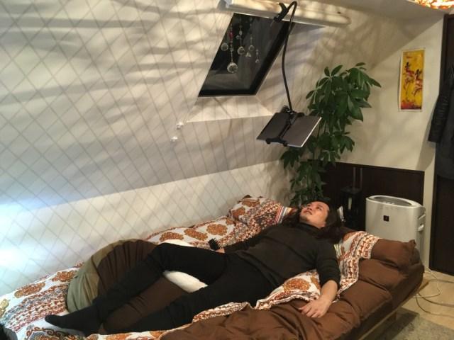 【注意喚起】999円のスタンドで「ゴロ寝でiPad PRO動画鑑賞」すると最高すぎてダメ人間になる