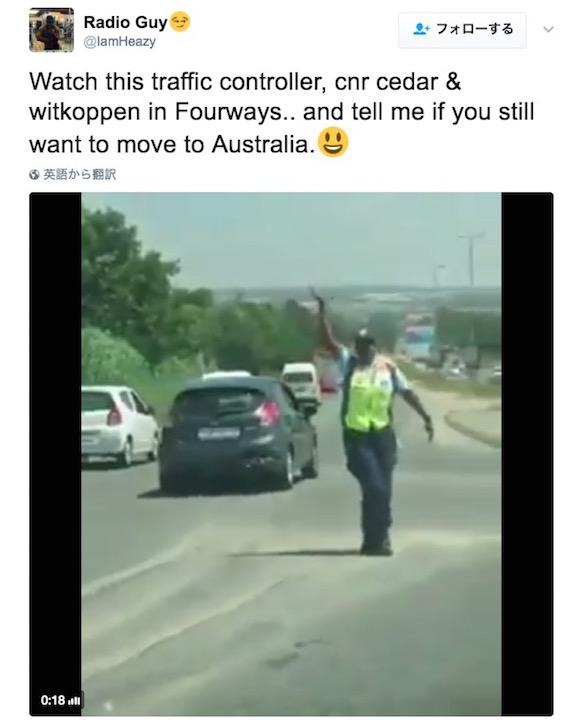 【さすがインド】踊りながら交通整理する警察官の仕事ぶりが完全にプロ