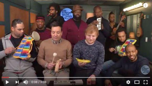 【ファン必見】英人気歌手エド・シーランが子供用の楽器で『Shape of You』を演奏する動画が「安っぽさゼロ」で超~イイ感じ!