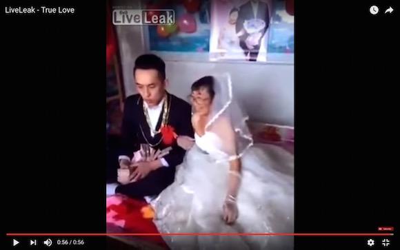 【中国】どう考えても金目的だろっていう結婚式が見ている方まで辛くなるほど地獄絵図