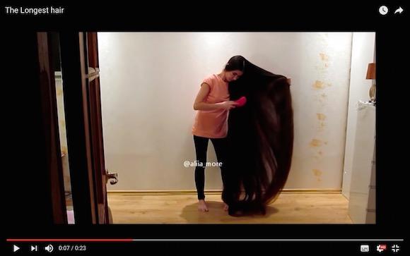 髪の毛を2メートル30センチまで伸ばすとこうなる! リアルラプンツェルな女性がラドビアにいた!!