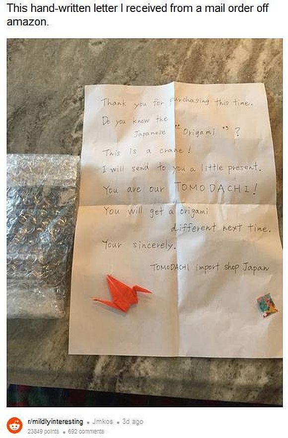 海外の利用者が日本のAmazonで商品を注文したら「心の込もった手書きの手紙と折り鶴が入っていた!」と大感動!!