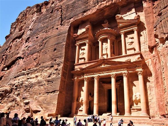 【ヨルダン】世界遺産「ペトラ遺跡」は地球屈指のアドベンチャースポット / 壮大すぎるインディ・ジョーンズの世界へようこそ