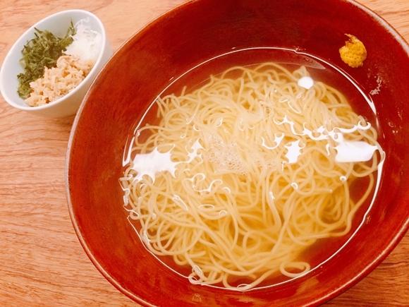 【話題】具のないラーメン屋「澄まし麺 ふくぼく」を初体験! 味付けは出汁と塩のみ / これぞラーメンの究極形か? 東京・神楽坂